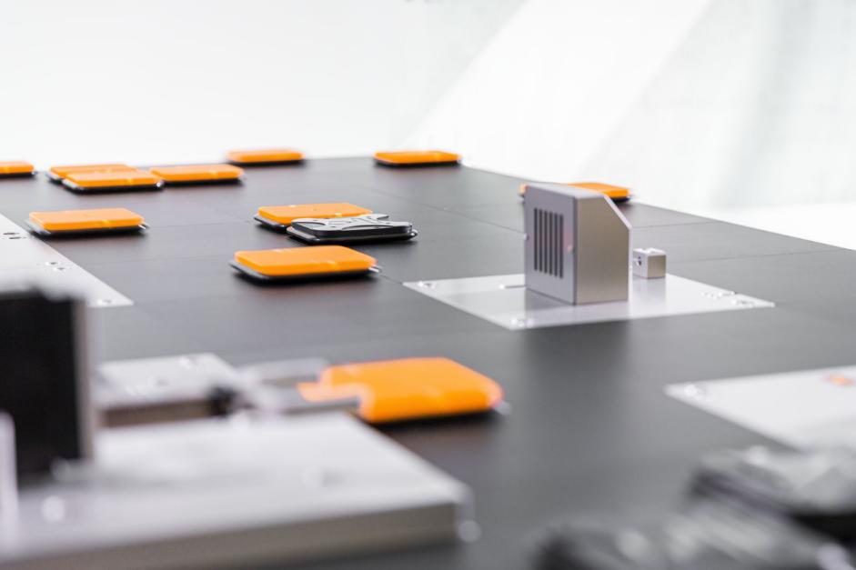 ABB發布ACOPOS 6D平面磁懸浮技術,開啟多維制造新時代