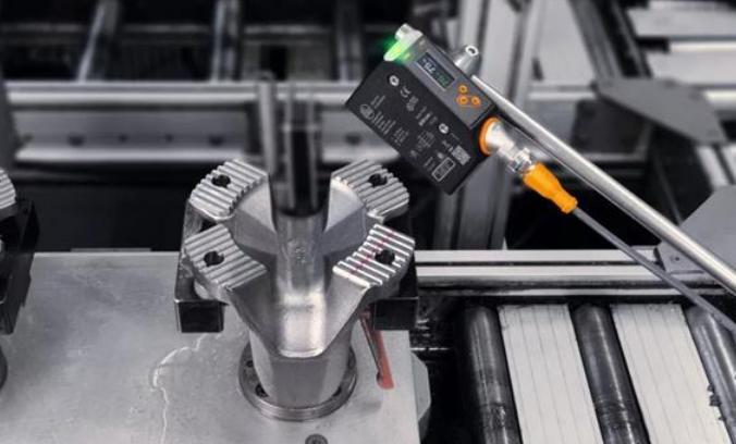 福特汽车的明智之选:ifm轮廓识别技术确保其完美车身制造