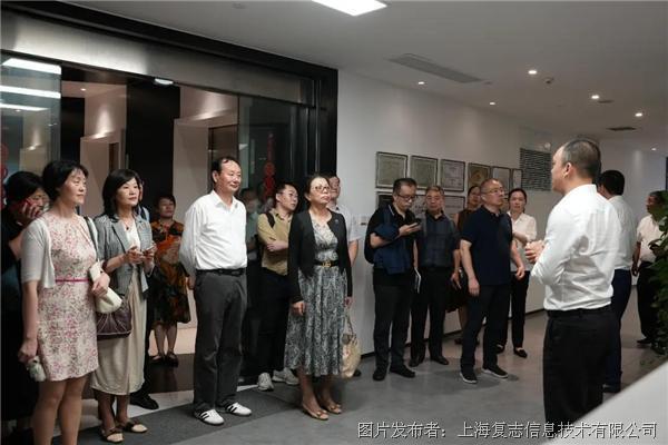 上海〓市人大常委��代表一行�W�RRaise3D上海又是�陕�凄���驼I�{研
