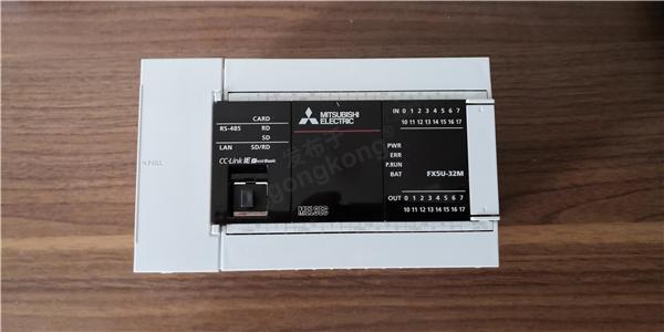 三菱FX5U实物1.jpg