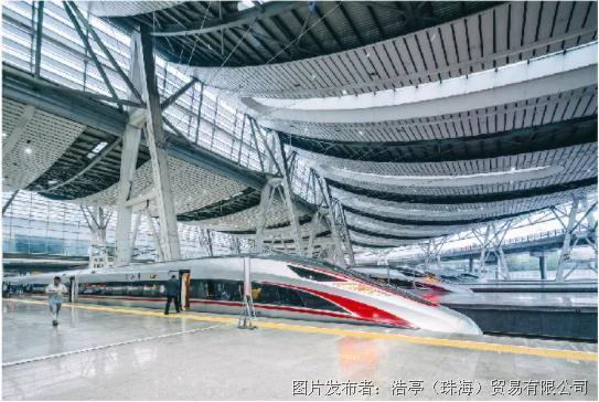 浩亭產品系列不斷壯大:鐵路車輛能源分配的全新解決方案